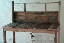 Pallets / by Hammack's Wood-N-Cloth Crafts