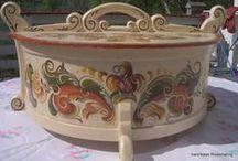 Rosemaling &  folk, decorative paitings / by Regina Daisy