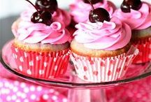 ❤*CUPCAKES* / by Roberta Gunnell