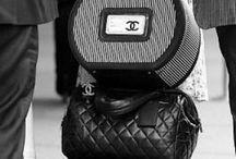 Beautiful Handbags / by Mimie Ramos