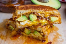Best Avocado Pairings / Avocado and bacon, avocado and lobster, avocado and pineapple…the list of avocado pairings goes on! Here are a few we think you should know about.  / by Amazing Avocado