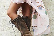 Walk Walk Fashion Baby / by Sandra Yamashita