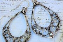 Jewelry to make: ideas / by Kate Chubeck
