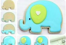 HOW TO DECORATE COOKIES / by Rosa Adriana Reynoso
