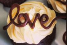 Cupcakes & Delicious / Some Things to eat! / by Nadine L'habitant