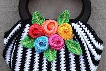 Croché e Tricô - Bolsas, cestas, caixas... / by Ana Maria Mateus