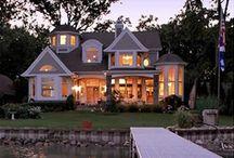 Lake Homes / by Dawn Hilton