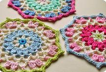 crochet mandala's / by pixie miks a lot