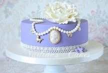 Beautiful cakes and decorations / Cake artistry / by Dawn Goodwin