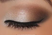 Make-Up Looks / by Tracy Elliott