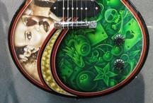 Guitarras extrañas y bacanas / by Leon Corkidi