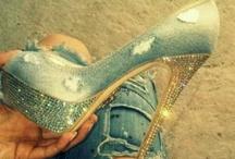 Shoes/Heels / by Lisa Burgos