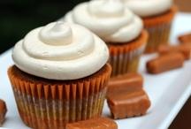 Recipes: Desserts + Sweets+Treats / by PerfectlyJenn