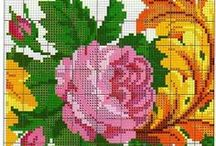Flores en punto de cruz / by Leslie Samudio