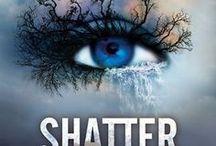 Books - YA Dystopian and Sci Fi Novels / by Pat