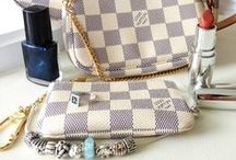 Totes and Handbags / by La CuisineHelene