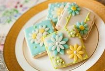 Cookies*~Cake Pops*~  / by Katsue Watanabe