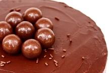 Triple Chocolate Fudge Cake / by SugaryWinzy