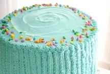 Retro Vanilla Cake / Retro vanilla cake at sugarywinzy.com / by SugaryWinzy