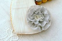 Edible Art / Sweets that make you not want to bite into them, they are that pretty.  / by Sandy Thamm