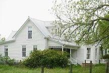 Old Farmhouse / by Ilona's Garden