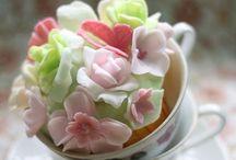 Decorazioni cupcakes / by Alexa Dedè