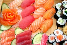 Bento, sushi and other Japanese goodies / by Mimi Owens