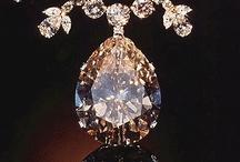 I like shiny things.... / by Tammy Heasman