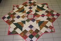 Quilts: Table Runners and Toppers / by Carmen Martinez
