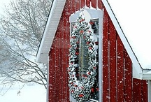 Outdoor Christmas Decorating / Holiday Christmas Decorating outside  / by Completely Christmas!
