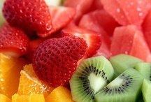 Frutas / by Lubia Costa