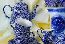 Blue & WHITE CHINA / by Di Bodenham