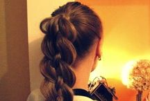 Hair and Beauty / L O O K  P R E T T Y  / by Sophia S.
