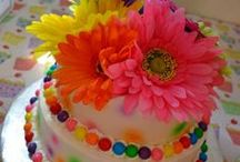 Cakes, Cupcakes, and Cake Pops / by Sarah Sturgill