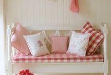 Dollshouses muebles / by Alicia Msv