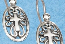 Cross Jewelry / by Tonya Bowen