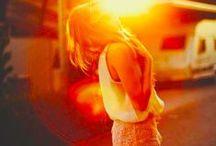 It's always summer somewhere / by Mariana Tavares