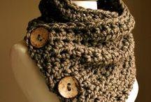 Loom knitting / by DawnandScott Woodburn