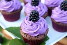 Cakes!! :) / by Ashli Morgan