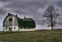 For the love of old barns. / by GiGi
