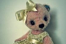 Teddy Bear Love #2 / Many artist bears along with traditional favorites will be posted on both boards. I love Teddy Bears :) / by Linda Imus
