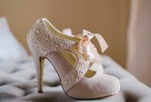Vintage  inspired Shoes / by My name is Jacqueline Roseboom