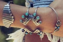 Trinkets *Rings *Sparkly Stuff / by Amber Farris