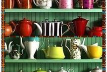 I love teapots / by Jyll Phillips