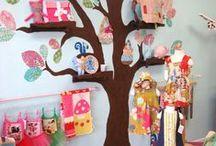 murs peints ... / arbre : on peut rajouter une balançoire, l'assise étant une étagère avec un doudou / by cathy rey