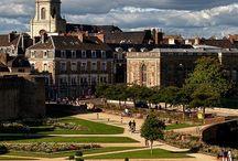 La Bretagne: ses villes, paysages, ses traditions,  Vannes et autres; France / by Isabelle Carrasco Vattaire