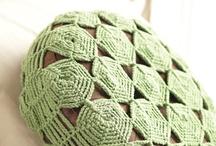 Wolle, Garn - bunte Fäden für Pullis und Co.  / Hier sammele ich alles was sich mit Wolle oder anderem Garn basteln lässt.  / by fuchsia84