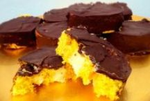 Recetas dulces / Sweet recipes: desserts, cupcakes, brownies / by Handmade & Creativity