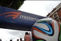 MEMORABILIA / Los grandes balones que han protagonizado las copas del mundo visten las principales plazas de la república mexicana. #aoritmodosamba / by MISTERTENNIS .
