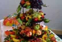 Fruit & Veggie Centerpieces, Sculptures & Trays / by Stephanie Rogers Gustafson